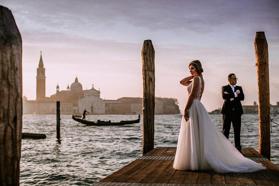 Sesja ślubna w Wenecji | para młoda w mieście zakochanych | sesja ślubna za granicą