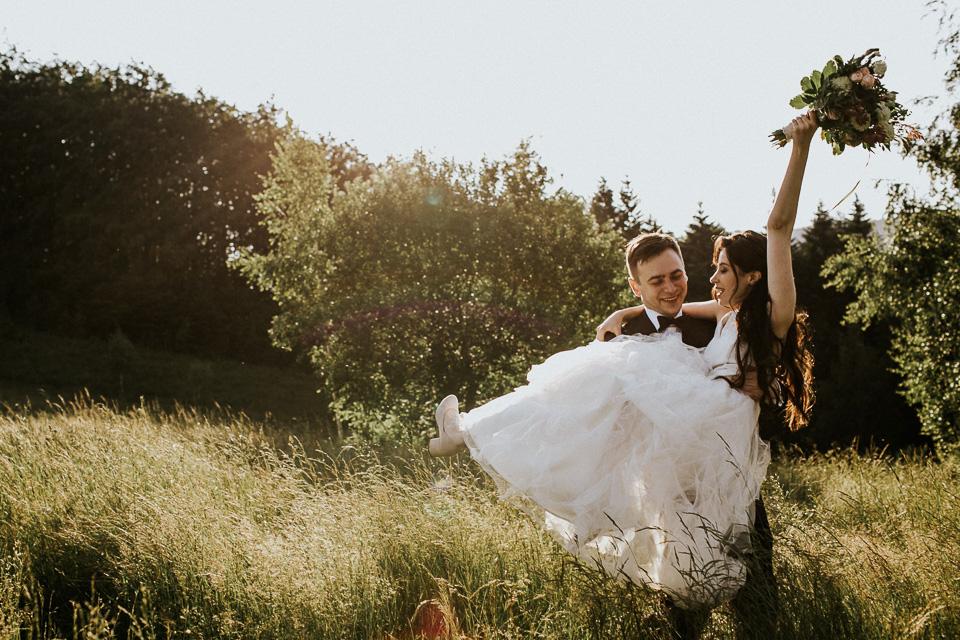 Wesele na Kocierzu | Baciarska Chata | fotografia ślubna Forest Wedding