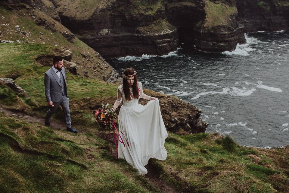 Cliffs-of-Moher-wedding-session-029.jpg