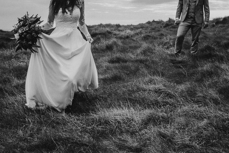 Cliffs-of-Moher-wedding-session-071.jpg