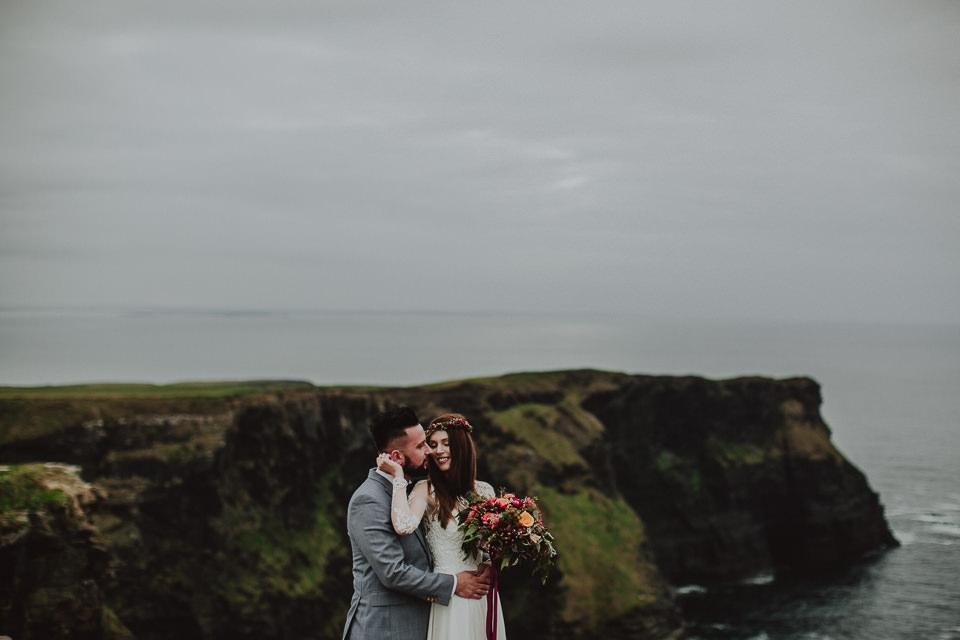 Cliffs-of-Moher-wedding-session-011.jpg