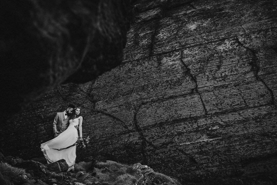 Cliffs-of-Moher-wedding-session-065.jpg