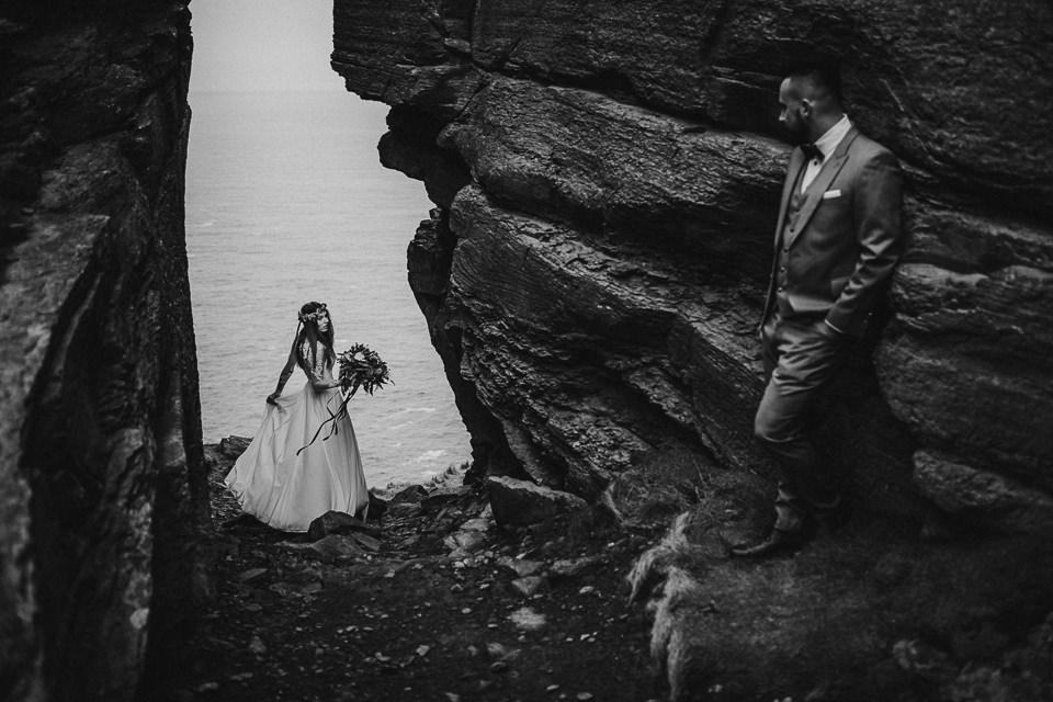 Cliffs-of-Moher-wedding-session-027.jpg