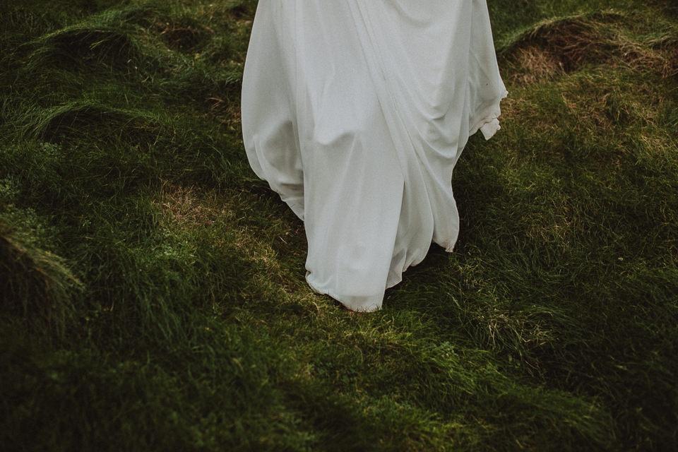 Cliffs-of-Moher-wedding-session-052.jpg
