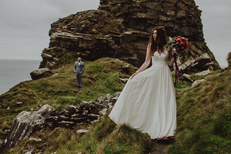 Cliffs-of-Moher-wedding-session-016.jpg