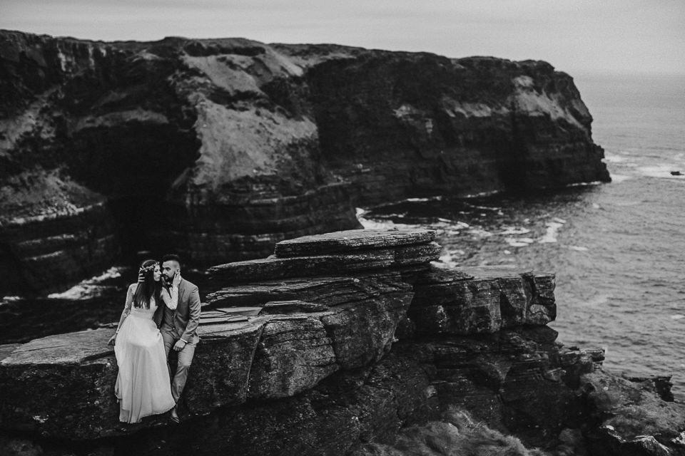 Cliffs-of-Moher-wedding-session-048.jpg