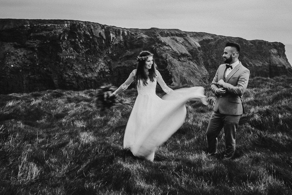 Cliffs-of-Moher-wedding-session-078.jpg