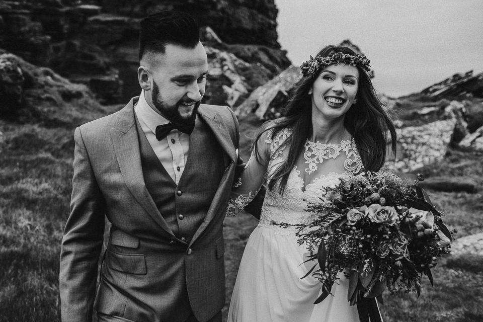 Cliffs-of-Moher-wedding-session-023.jpg
