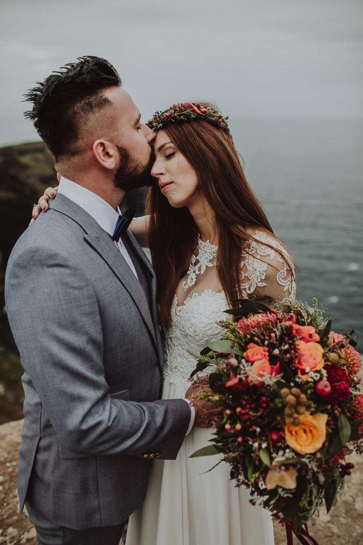 Cliffs-of-Moher-wedding-session-008.jpg